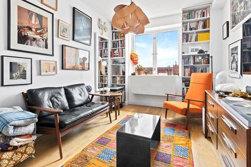 Isabella, 545 Washington Avenue, #701