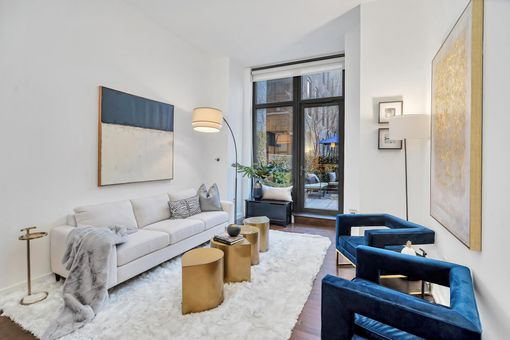 Chelsea Stratus, 101 West 24th Street, #3A