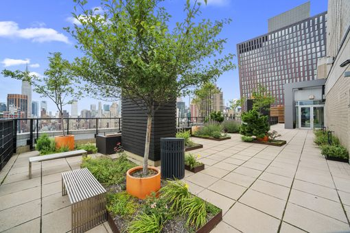 View 34, 401 East 34th Street, #S16A