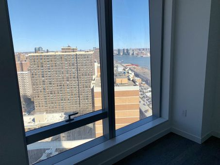 One Manhattan Square, 252 South Street, #26G