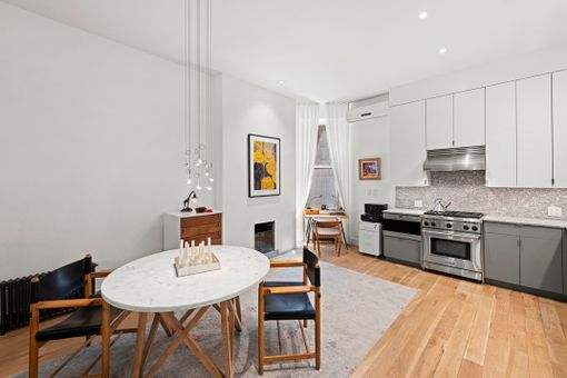 The Hampshire, 50 West 9th Street, #1A