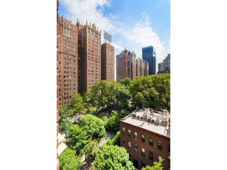 The Manor, 333 East 43rd Street, #901