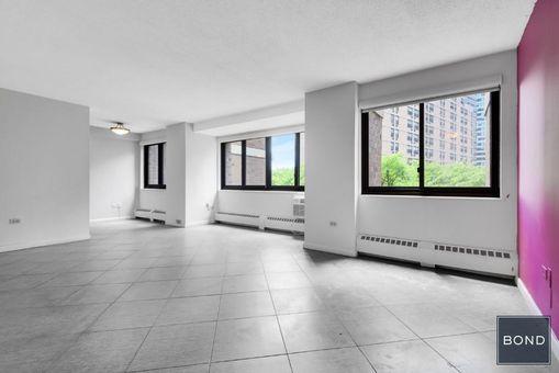 Southbridge Towers, 299 Pearl Street, #6G