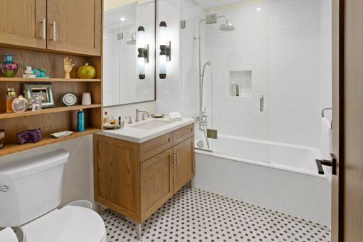 Inkwell, 520 West 45th Street, #1A