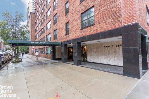 The Larrimore, 444 East 75th Street, #8J