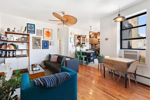 Dorchester Heights Condominium, 2112 Dorchester Road, #4L