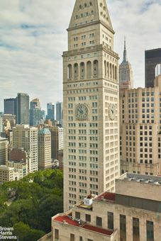 Madison Square Park Tower, 45 East 22nd Street, #33A