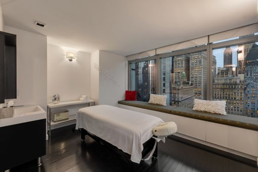 W Downtown Hotel & Residences, 123 Washington Street, #30D