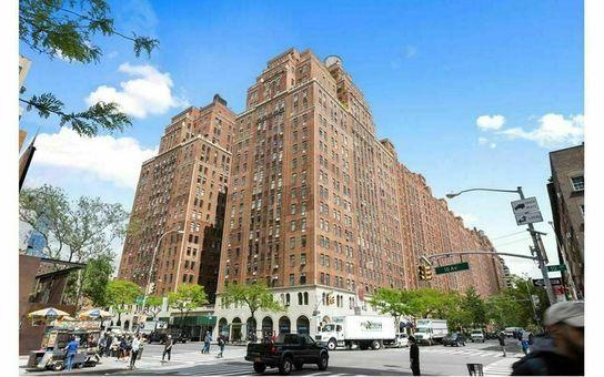 London Terrace Towers, 465 West 23rd Street, #4F