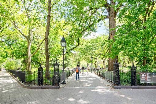 Washington Square Park, 173 MacDougal Street, #3E