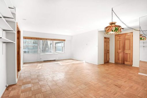 Plaza Tower, 118 East 60th Street, #7F