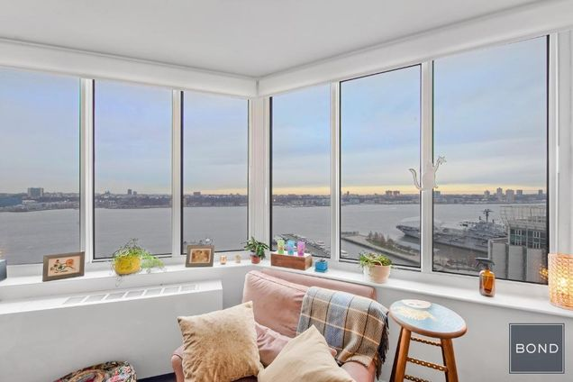 River Place, 650 West 42nd Street