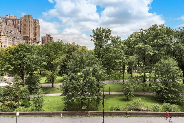 Southmoor House, 230 Central Park South