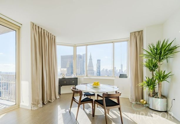 Instrata Nomad, 10 East 29th Street