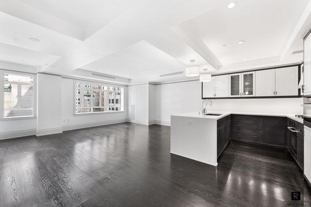 Carlton House, 21 East 61st Street