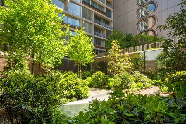 Jardim, 525 West 27th Street