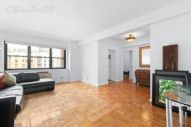165 East 72nd Street