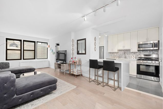 Leslie House 220 East 54th Street Nyc Apartments Cityrealty