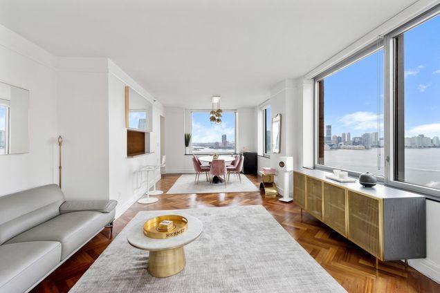 The Residences at The Ritz-Carlton New York Battery Park, 10 Little West Street