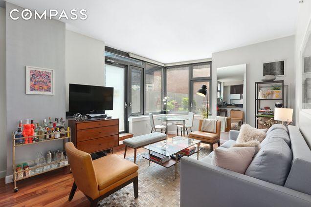 J Condominium, 100 Jay Street