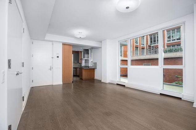 Renwick Modern, 22 Renwick Street