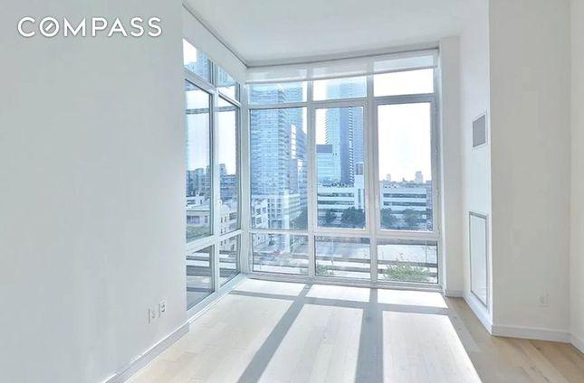 1 QPS Tower, 42-20 24th Street