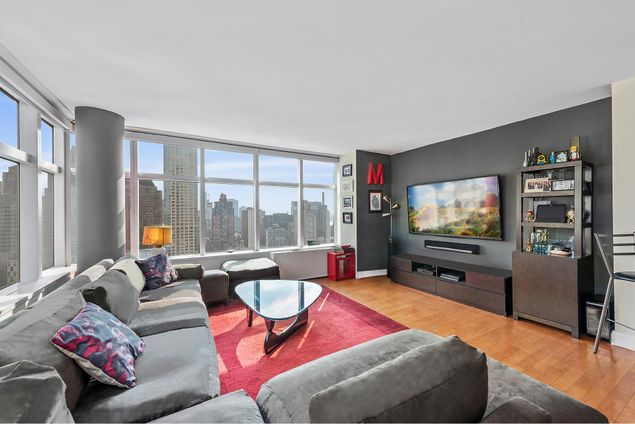 3 Lincoln Center, 160 West 66th Street