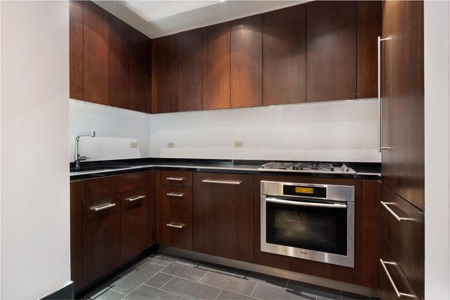 40 Broad Street Condominium, 40 Broad Street