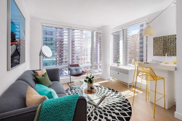 HOUSE39, 225 East 39th Street