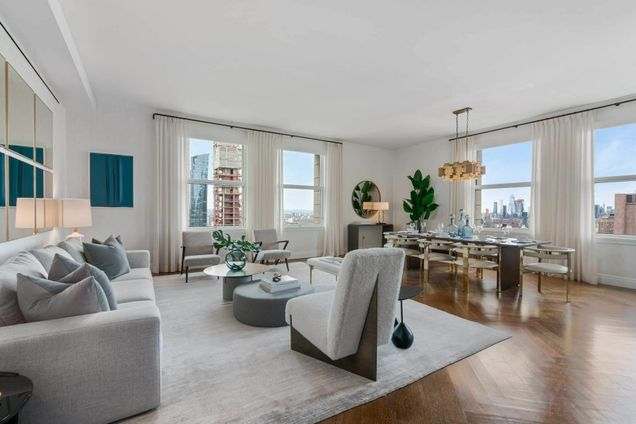 The Woolworth Tower Residences, 2 Park Place