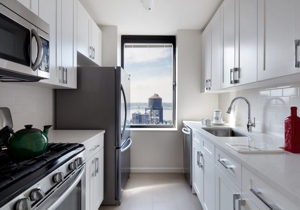 The Lyric 255 West 94th Street Nyc Rental Apartments Cityrealty